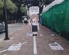 В Бангкоке появилась полоса для пешеходов с телефонами