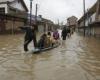 Более 40 человек погибли в результате наводнений в Индии