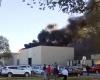 В США самолет врезался в здание аэропорта