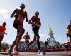 Участник Лондонского марафона умер на финише