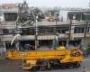 На Тайване военный вертолет упал на крышу жилого дома