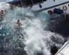В районе Симиланских островов перевернулась лодка с 15 туристами на борту