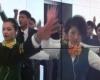 В Шанхайском аэропорту бортпроводники устроили флешмоб