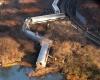Четверо погибло и 63 пассажира ранено в самой крупной железнодорожной катастрофе в Нью-Йорке